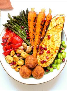 Vegetarsische bowl met falafel