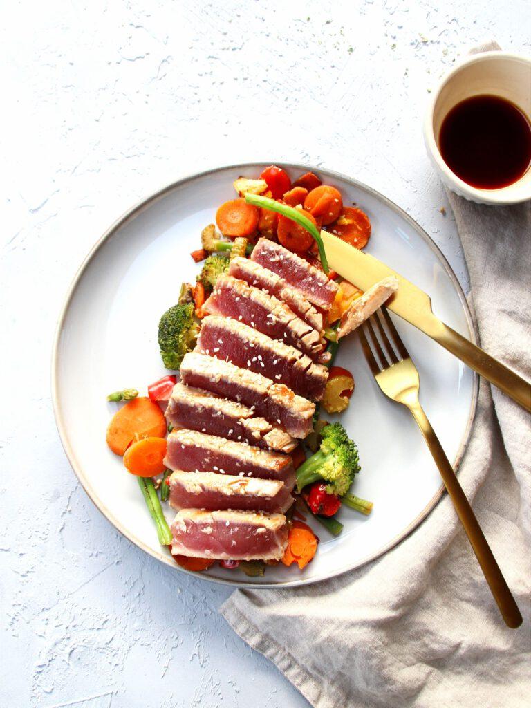Tonijn steak met groenten