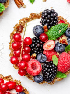 Yoghurttaartjes met vers fruit