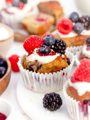 Gezonde blauwe bes framboos muffins
