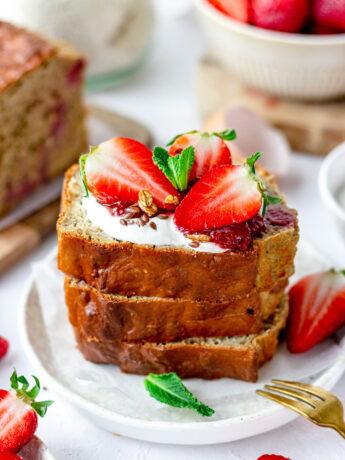 Bananenbrood met aardbeien