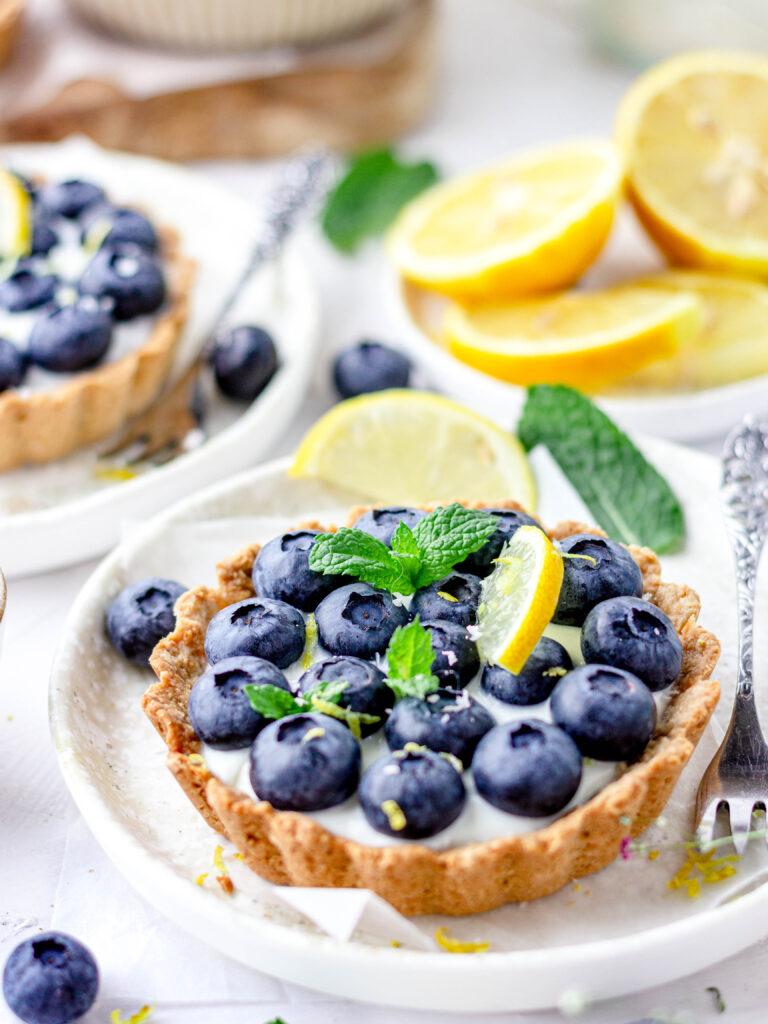 gezonde kwarktaartjes met blauwe bes