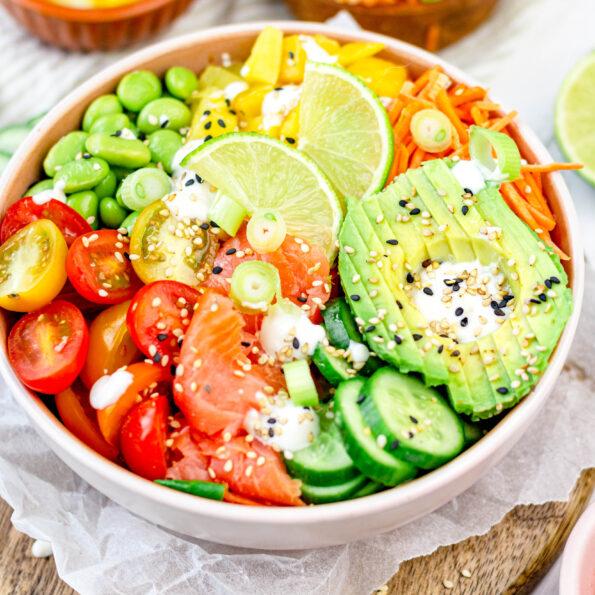 Gezonde poke bowl salade